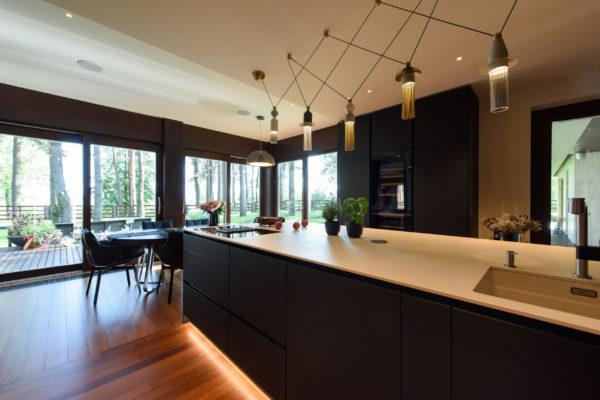 Tumša Arens virtuve ar salu 3